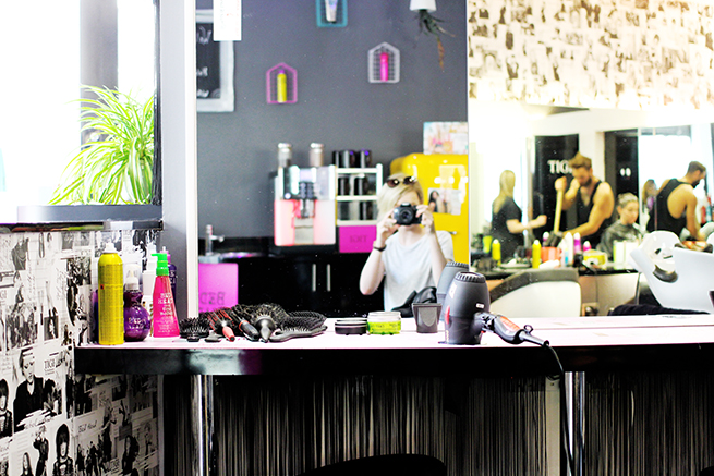 Beauty blogger reviews TIGI Exclusive London Hair Salon Muse of London and has her dyed Rose Gold TIGI Copyright Colour
