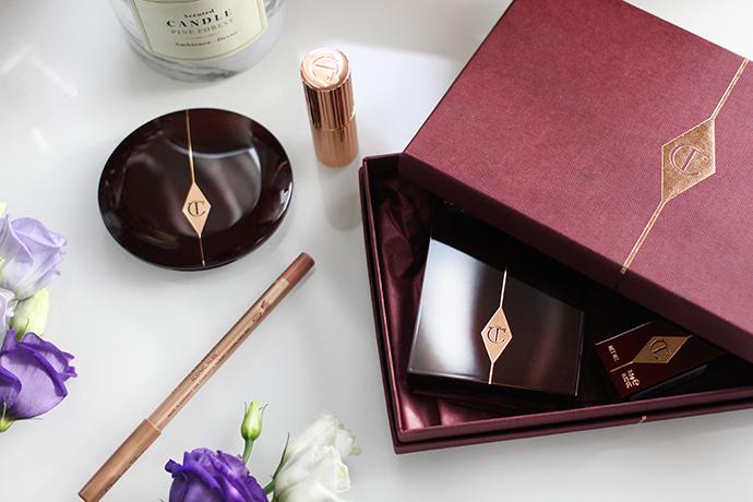 Beauty blogger zoe newlove reviews her Charlotte tilbury haul including dolce vita eyeshadow palette