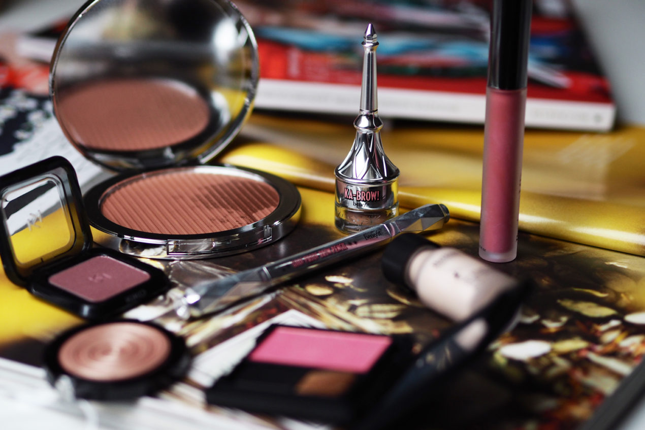 playing-with-new-benefit-cosmetics-makeup-pericone-md-estee-edit-zoe-newlove-beauty-blogger