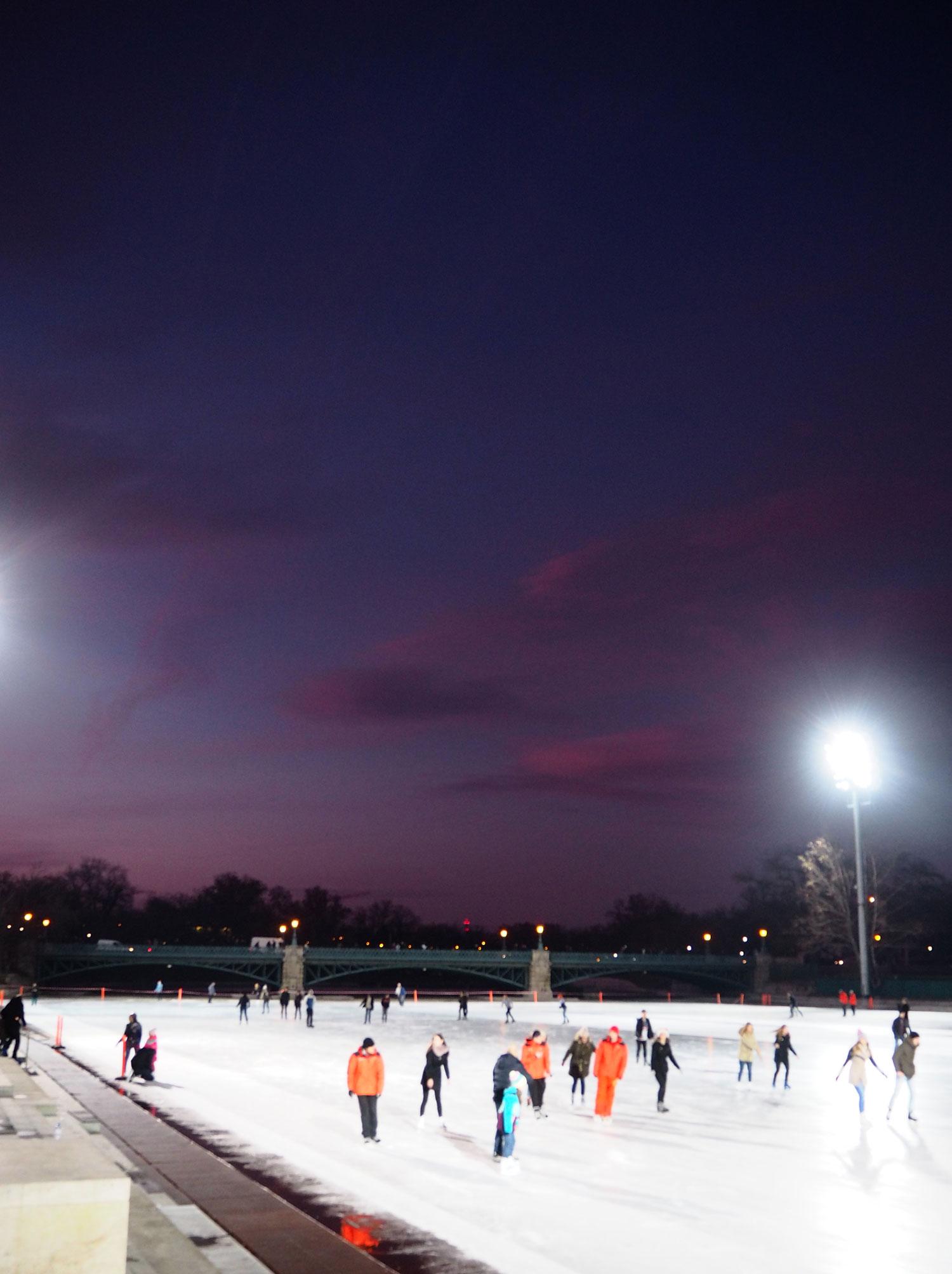 ice-skating-travel-blogger-budapest-zoe-newlove