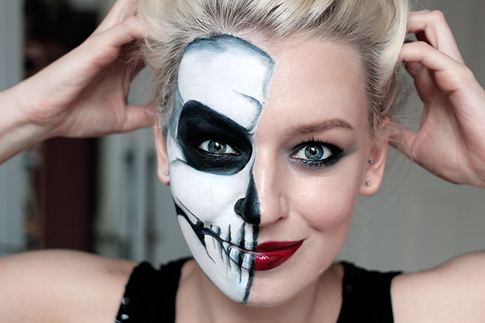 Glam Half Skull Make Up Tutorial Step By Guide Beauty Blogger Zoe